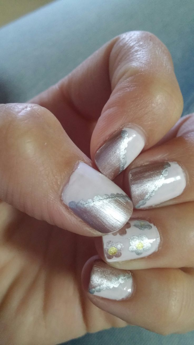 Metallic nailart