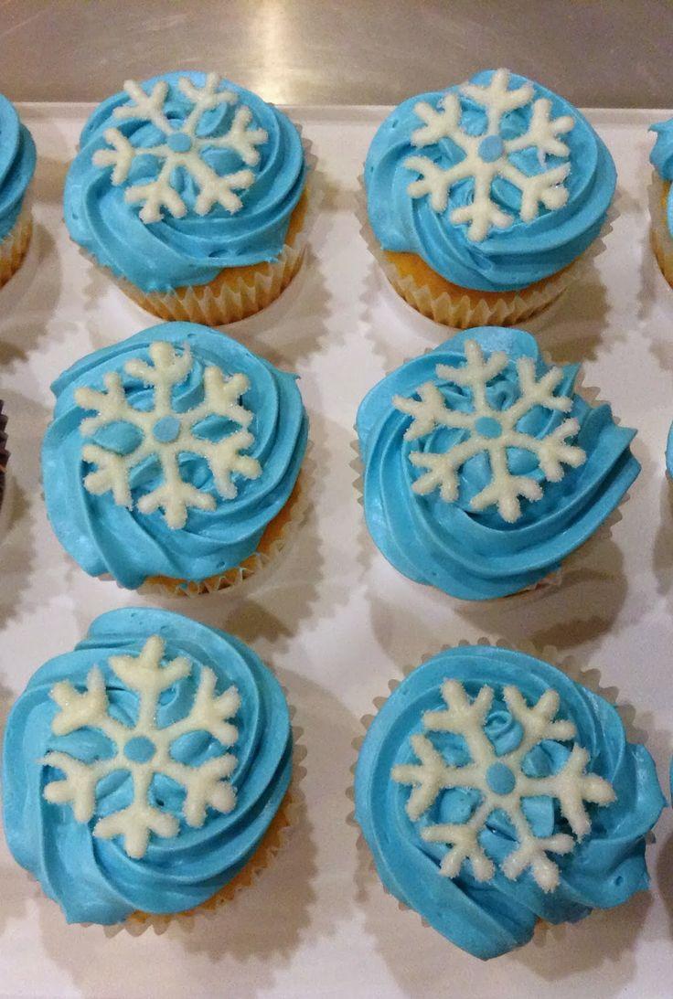 Frozen Cupcakes Snowflake Best 25+ Frozen cupcak...