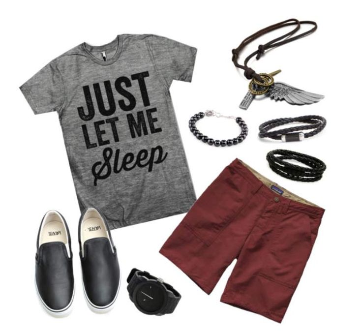 Combo masculino com bermuda, camiseta, tênis e acessórios.