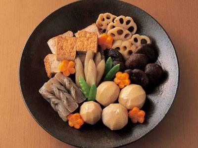 渡辺 あきこ さんの里芋を使った「煮しめ」。お正月らしさを飾り切りにした野菜で演出してみては!煮汁の煮詰め具合で好みの味に仕上げます。 NHK「きょうの料理」で放送された料理レシピや献立が満載。
