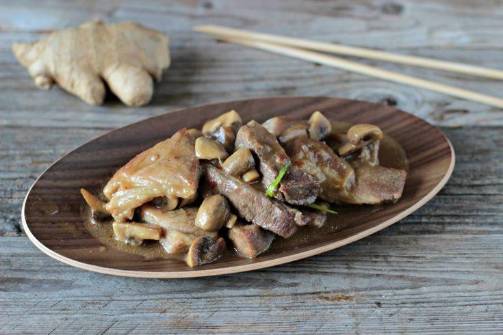 Il maiale funghi e zenzero