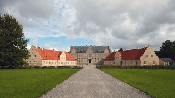 Lungholm Slotshotel   Visitlolland-falster