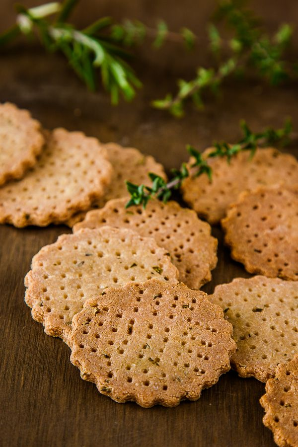 Herb and Garlic Amaranth Crackers #vegan #glutenfree| DeliciousEveryday.com