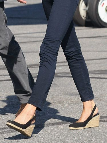 someone please find where I can buy these shoes. I gotta have 'em!