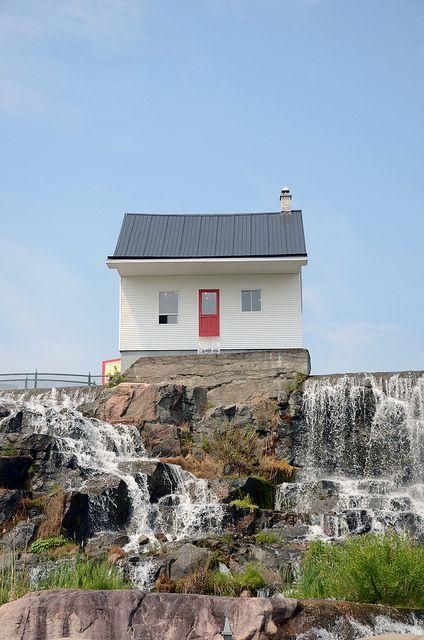 Chicoutimi - la petite maison blanche | Flickr: partage de photos!