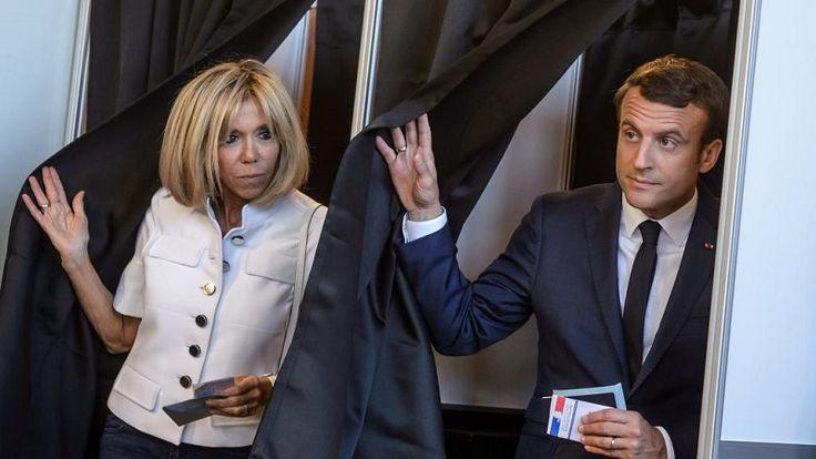 Um mês depois de tomar posse no Palácio do Eliseu, o presidente francês Emmanuel Macron deve obter a maioria absoluta na Assembleia Nacional, segundo os resultados definitivos do primeiro turno das eleições legislativas francesas, divulgados nesta segunda-feira (11).   O movimento de Macron,...