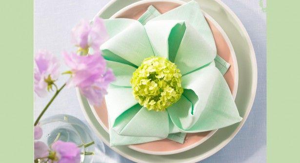best 25 pliage serviette fleur ideas only on pliage serviette papier fleurs de
