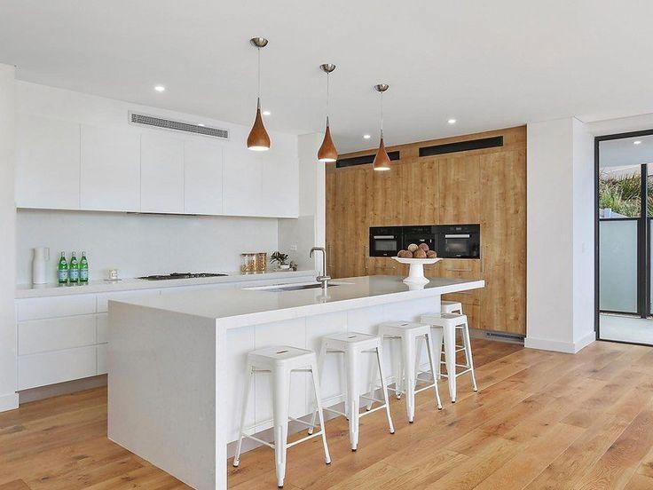 Newport, NSW Sales Agent - David Rothschild McGrath Estate Agents - Seaforth 02 8978 9000 Property Video - www.youtube.com/watch?v=iHgAzM-MJHE #kitchen #kitchendesign #kitchenstools #kitchenbar #kitchenbench #pendantlights #kitcheninspo #kitchendesign #timberkitchen ##beachhouse #houseoftheday