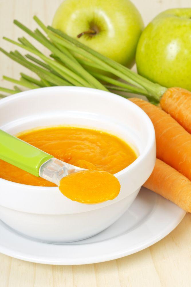 La combinación de frutas y verduras funcionan bien cuando las mezclas. Ideal para darle a tu bebé a partir de los 6 meses.
