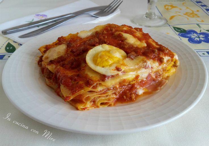 Lasagne+–+raccolta+ricette Qui troverete tante ricette di lasagne per i giorni di festa date un occhiata e condividete ;) #gialloblog #ricetta #food #primipiattiricchi