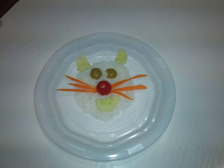 #InteligenciasMúltiples #AlimentaciónSana  En la semana dedicada a Asia conocimos la técnica del origami y el kirigami. También hemos aprovechado nuestra visita al Museo del Gato para aprender a comer sano.... Se puede pedir más???