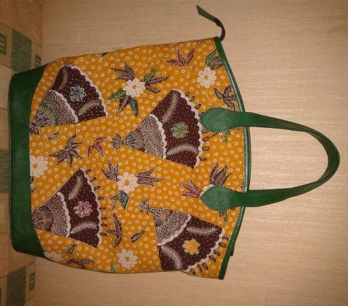 Tas Batik Tulis Kulit Model A.2