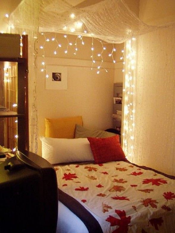 Romatic Ideas To Hang Christmas Decoration and Lights In A Bedroom Picture  10