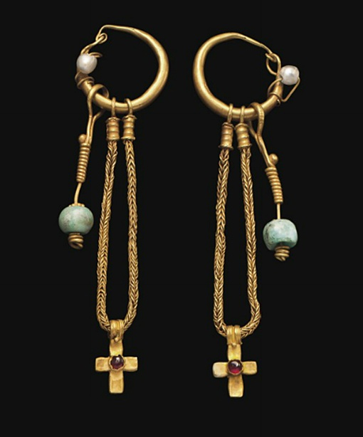 A PAIR OF BYZANTINE GOLD, PEARL, GARNET AND EMERALD EARRINGS   CIRCA 5TH-6TH CENTURY A.D.