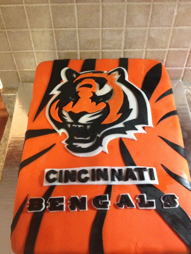 Cake Decorating Store Cincinnati : Cincinnati Bengals Cake Birthday ideas Pinterest On ...