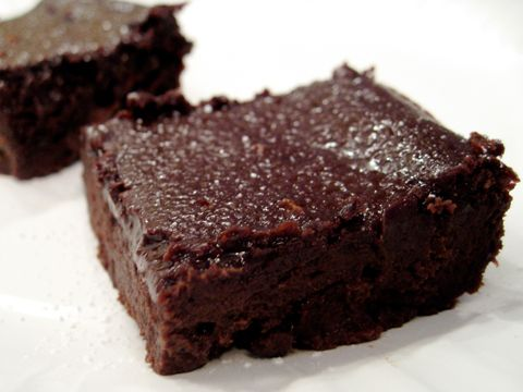 This souped up, grain free brownie recipe is made with black beans, so it is low allergen, GAPS legal, nutritious and oh, so yummy!
