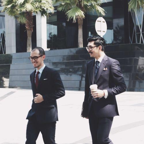 Foto pakaian formal pria pernikahan oleh A&E Tailors