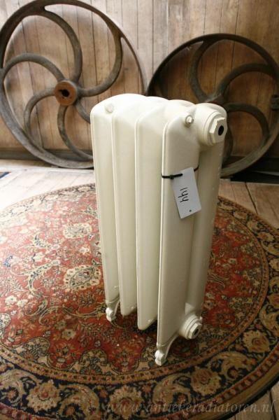 Strakke radiatoren - Antieke Radiatoren | Spijltjes radiatoren, Strakke radiatoren, gietijzeren radiatoren, nieuwe radiatoren