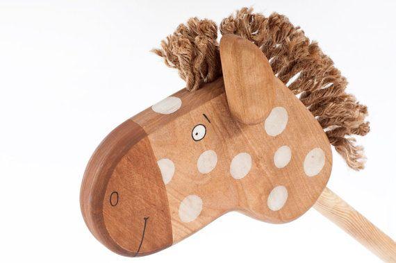 Wooden Hobbyhorse safe kids toy por FriendlyToys en Etsy, $39.00