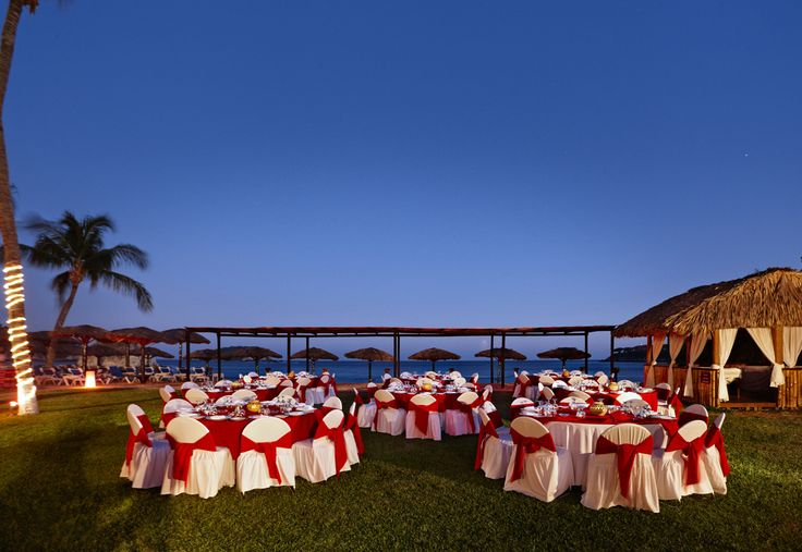 Weddings at the Barcelo Huatulco.