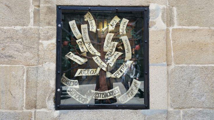 Escudo de las carreras universitarias en santiago