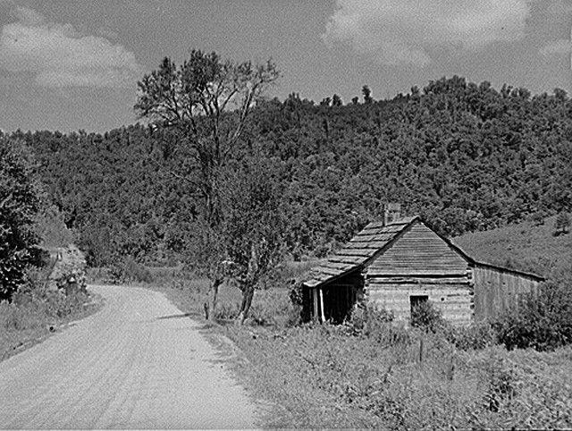 Mountaineers cabin made of hand hewn logs near Jackson, Kentucky, Breathitt Couny