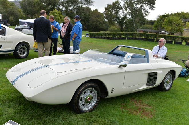 1962 Ford Mustang 1 concept 長らくヘンリー・フォード・ミュージアムに展示されていた「マスタング1」。スペースフレームにオールアルミニウムのボディーをかぶせたミドシップの2シータースポーツで、1962年に作られたコンセプトカーだ。ミドには、欧州フォードの1.5リッターV4エンジンを積む。