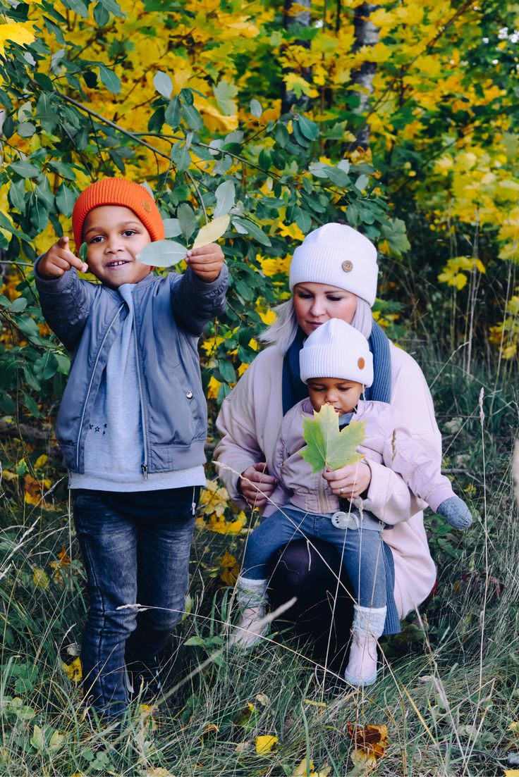 Mom son and daughter outdoor outfit for Fall. Wool beanie outfit for boys girls Women and Men.
