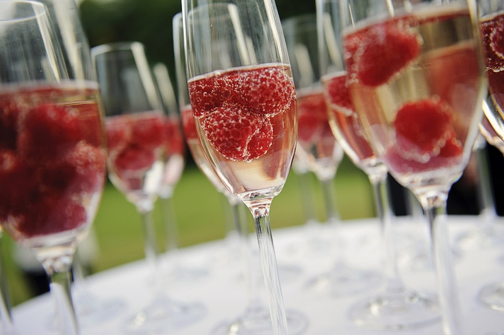 Champagne with rasberry