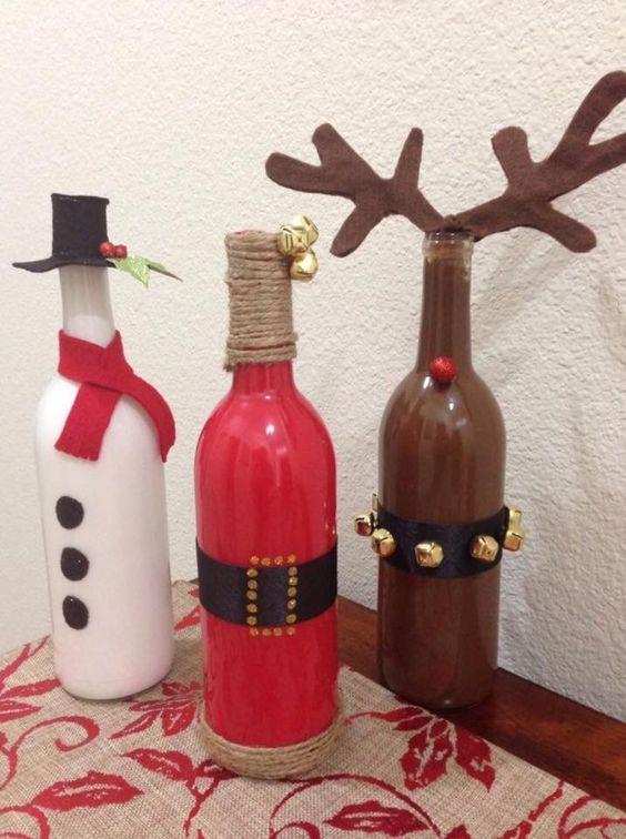 Decorare le bottiglie a Natale. Ecco per voi oggi un raccolta di 20 idee creative per decorare delle bottiglie nel periodo Natalizio. Lasciatevi ispirare...