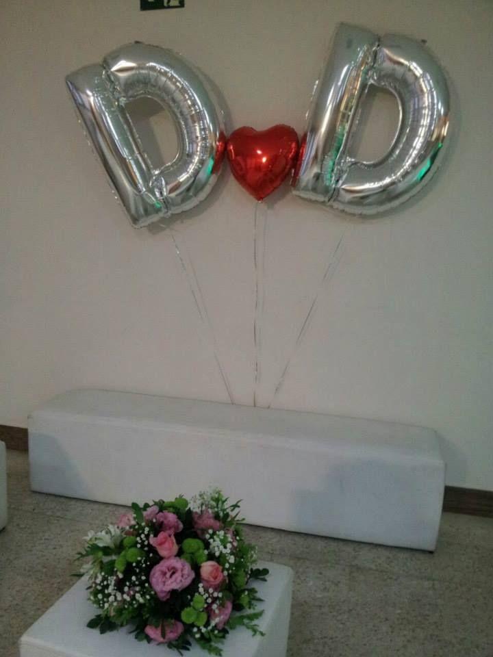 A Dani e o Danilo casaram em alto estilo usaram na pista de dança balões de led, os convidados quando entravam no salão deparavam com letras gigantes com gás hélio das iniciais dos noivos. A Balão Cultura adorou fazer esse casamento.  Créditos: Balões: Balão Cultura (www.balaocultura.com.br) Assessoria: Mínimos Detalhes  #casamento #festadecasamento #minimosdetalhes #balãodeleds #façadiferentenocasamento #weeding #weedingwithballoon #casamentocombaloes #balaocultura #balãocultura
