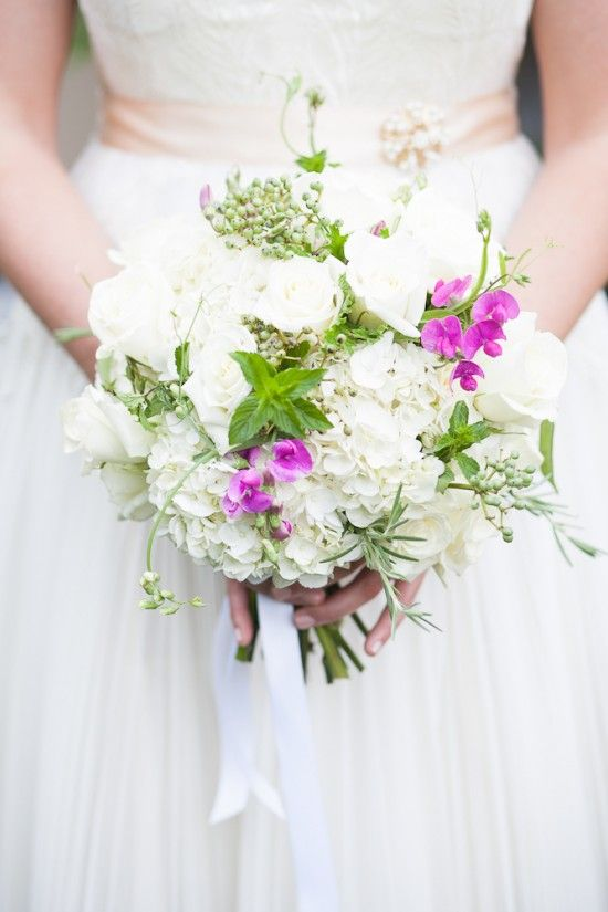 rustic-bridal-bouquets-virginia-wedding-astrid-photography | Washington DC Weddings, Maryland Weddings, Virginia Weddings :: United With Love™ :: Fresh Inspiration, Ideas and Vendors