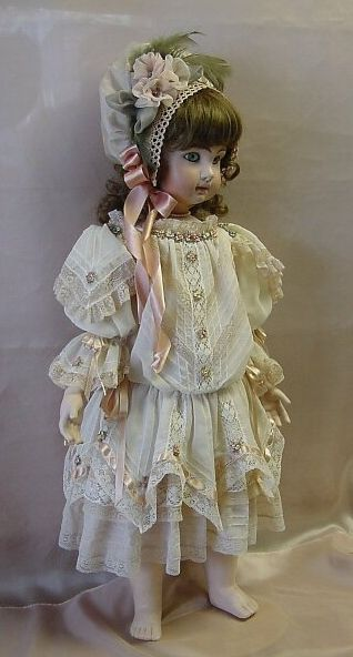Doll Dress and Bonnet ♥ Dollightfully Yours ♥ Cheryl Imbornone @//(*_*)\\@