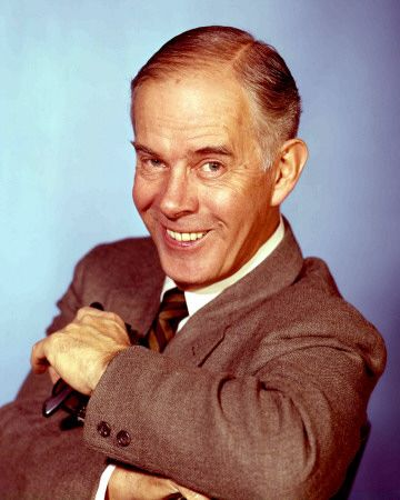 † Harry Morgan (April 10, 1915 - December 7, 2011) American actor, o.a. known from the comedyseries 'Mash'.