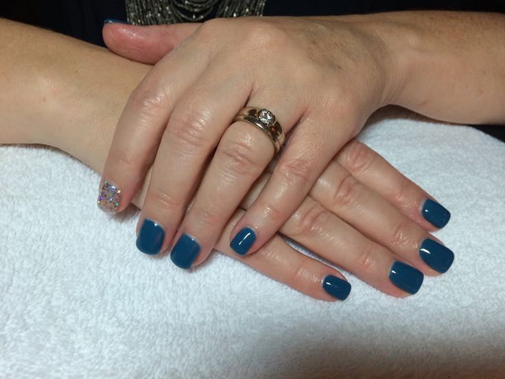 Short blue sqaure with sparkle pointer