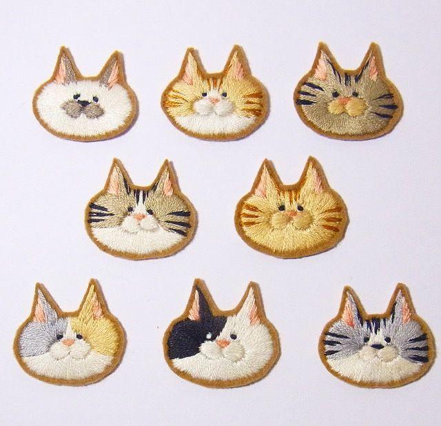 ☆チビネコアップリケ(2匹セット)☆縫いつけタイプ☆猫 ☆ワッペン ☆刺繍