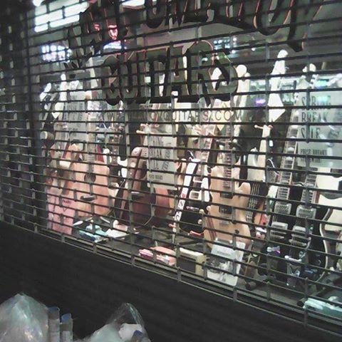 So many beautiful instruments...probably a good thing they were closed #mattumanovguitars #newyorkcity #moremoneyisneeded