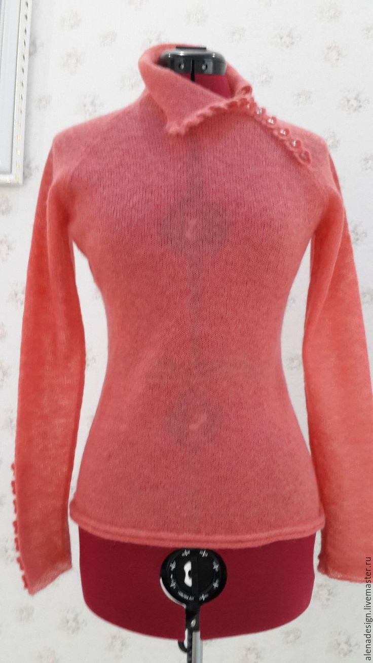 Купить Свитер из кидмохера кораллового цвета - коралловый, однотонный, вязаный свитер, свитер мохеровый