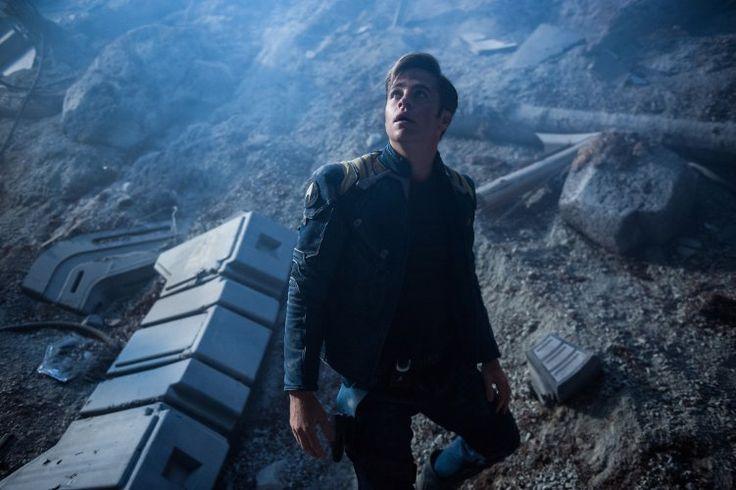 Chris Pine (Kirk) in Star Trek Beyond (2016)