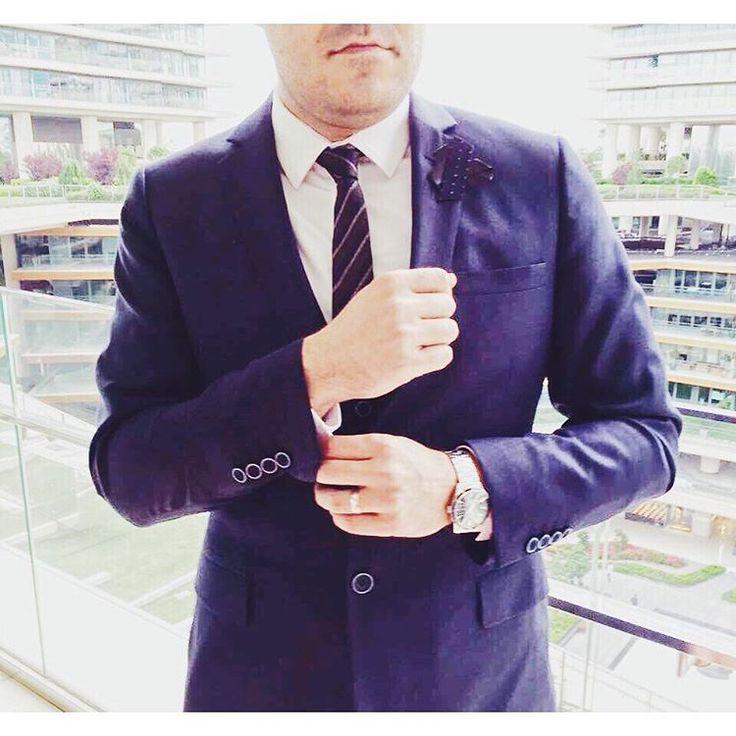 Wed chic �������� • Ürün Kodu: DB-211 • Ürünlerimizin hepsi el yapımı olup, tekstil ürünleri başta olmak üzere çeşitli materyallerden yapılmaktadır. El yapımı olmasından ötürü fotoğraftakine göre ufak farklılıklar gösterebilir. • #detailor #detailorproject #brooch #handmade #aksesuar #yakasüsü #yakaiğnesi #yakaignesi #yakasusu #bros #accessory #broş #tasarım #elişi  #ozgeguven #detail #detaylariseveriz #ribbon #pieddepoule #kazayagi #menwithclass #menstyle #menfashion #womanfasihon #lines…