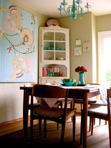 dining room (found on http://www.designspongeonline.com/)
