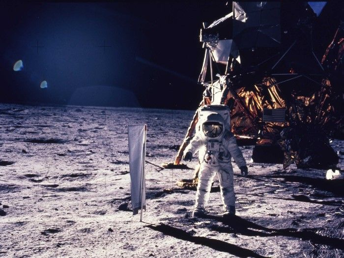 Buzz Aldrin: On the Moon we were ordered by aliens to move away 1