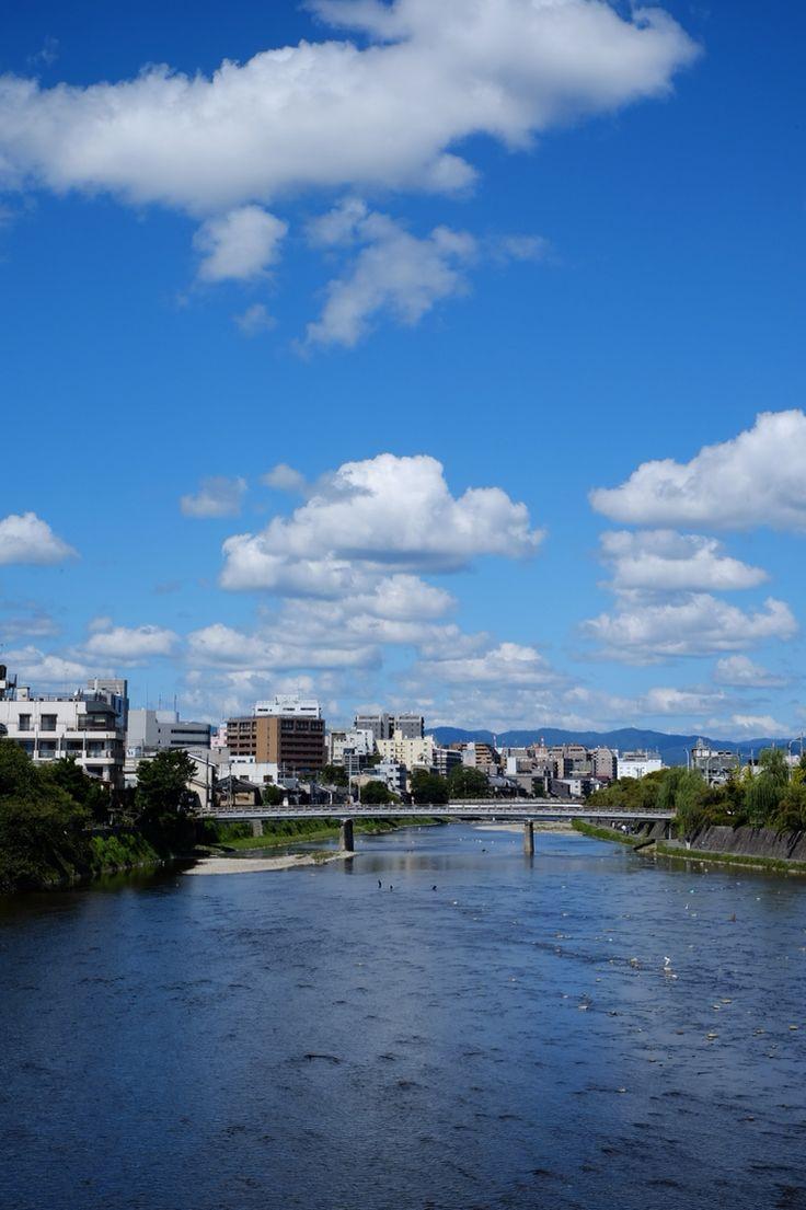 京都_塩小路通から七条大橋をのぞむ