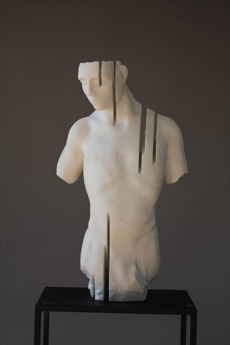 Escultura de Rogério Timóteo   Homem