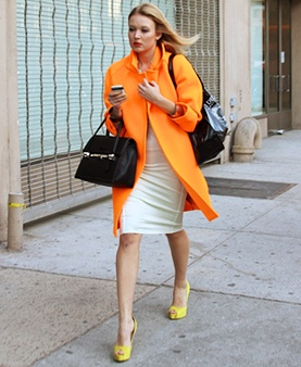 I know this isn't a autumn coat, but DAMN is it hot! LOVE the bright colours. So playful and fun!