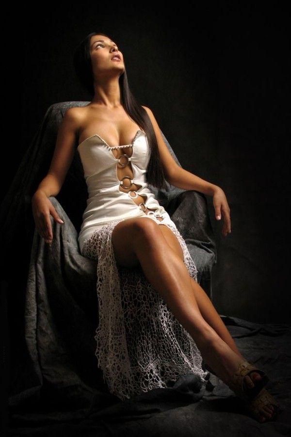 Vestido de noche abierto - vestido de noche (un vestido bonito). Anuncios de Servicio Unificado