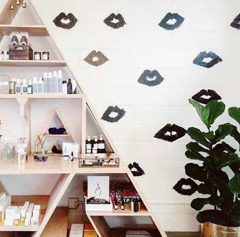 Modos de decorar tu habitación con besos