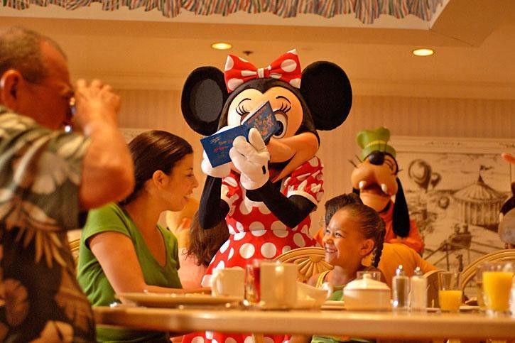 El famoso Libro de autógrafos de Disneyland París - Página con consejos para Disneyland París