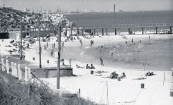 TWA-0061666 © WestPix Cottesloe beach in the 1971. Picture: Graeme Dalton The West Australian