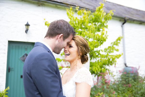 Modern Love – A Clonabreany House Wedding by Julie Cummins | weddingsonline